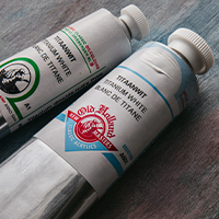 Old Holland Free Oil or Acrylic Paint Offer