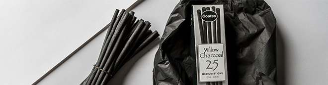 Coates : Medium Charcoal Box of 25 : Free When You Spend £20 on Cartridge Paper