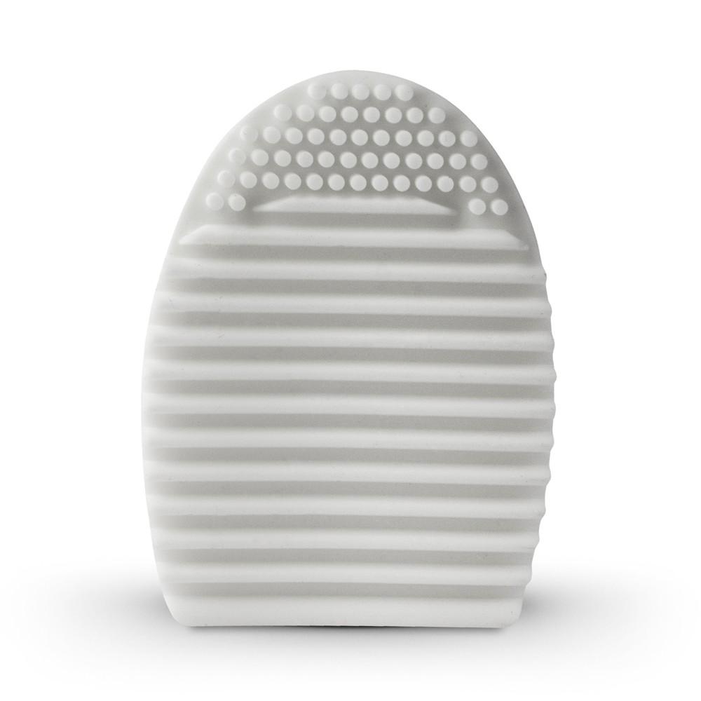 Studio Essentials : Silicone Brush Cleaning Egg : White