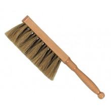 Aristo : Artist Drawing Broom